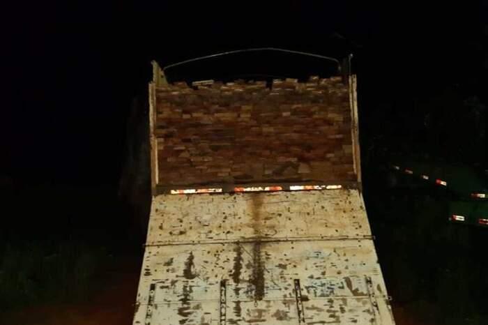 Toda a madeira foi apreendida e os motoristas dos caminhões foram conduzidos à Delegacia de Altamira