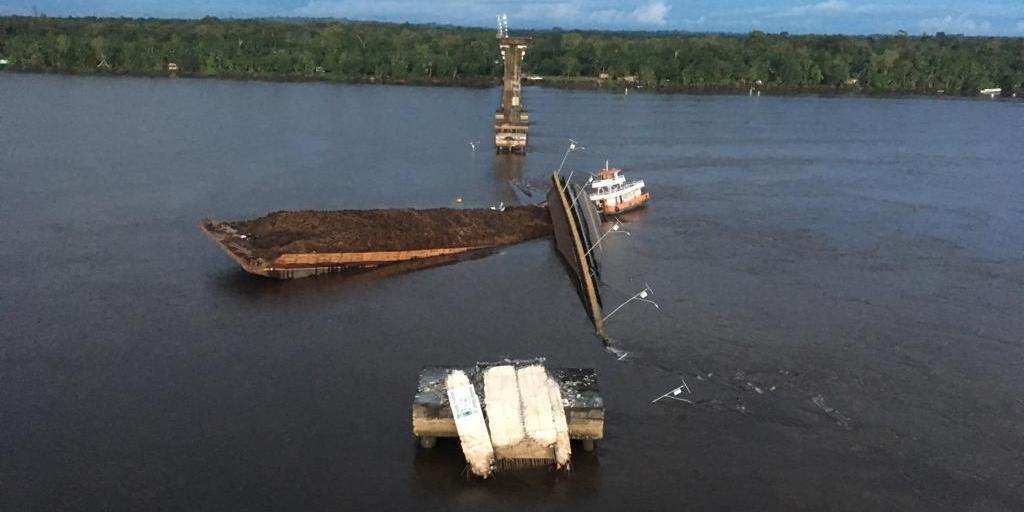Resultado de imagem para ponte rio moju desaba