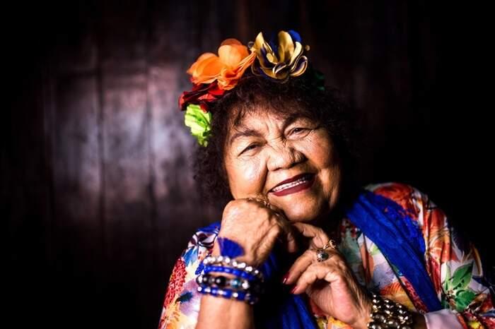 Dona Onete é conhecida como a Rainha do Carimbó Chamegado