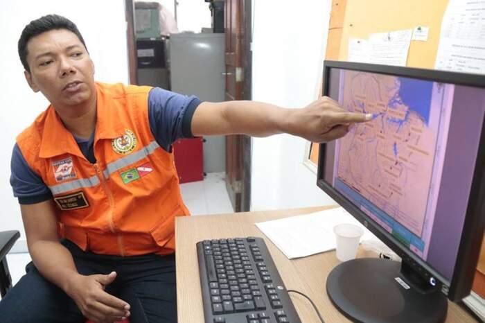 O cabo Márcio Avelar detalha como funciona o monitoramento climático