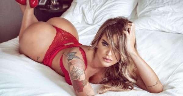 Modelo Monara Queiroga faz 'prévia' de ensaio sensual para revista