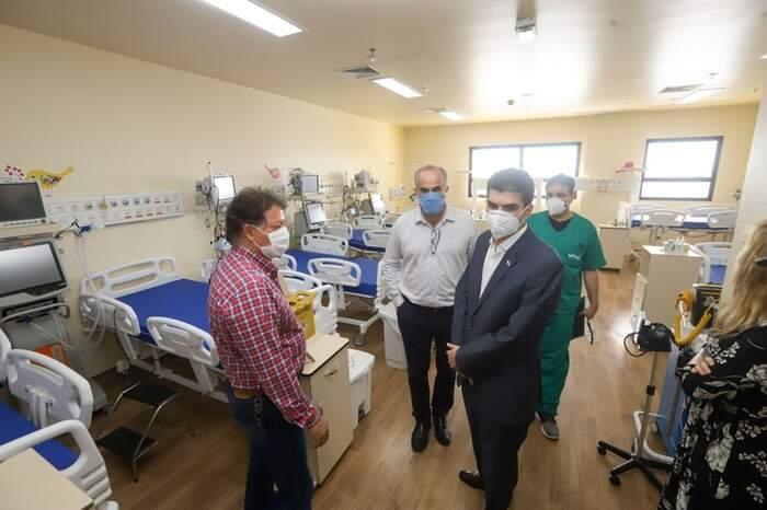 O governador do Pará, Helder Barbalho, acompanhou a entrega dos leitos no Hospital Abelardo Santos