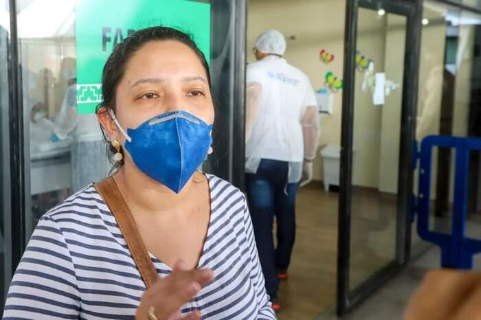 """""""Meu marido está internado aqui desde ontem, mas ele está tendo toda a assistência, todos os cuidados necessários"""", relatou Tayssa Barbosa"""