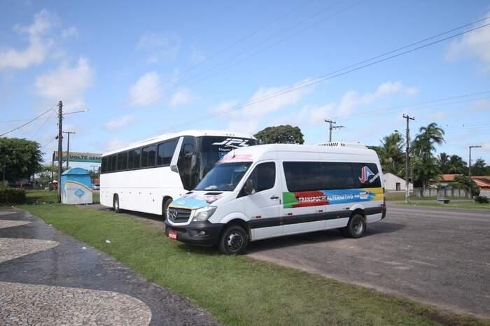 Vans e ônibus de passeio barrados esta manhã