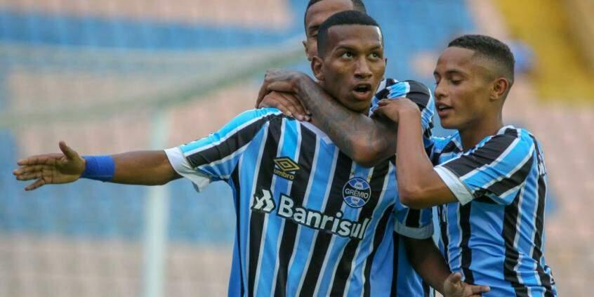 Grêmio faz 7 e Botafogo só empata na estreia na Copa São Paulo 33a1912820692