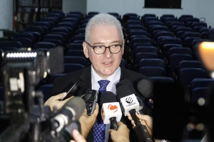 Reitor da UPFA, Emmanuel Tourinho, fala sobre a suspensão do Processo Seletivo 2019